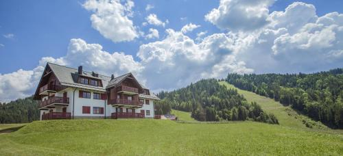 . Apartmajsko naselje Ribniško Pohorje