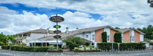 . Hôtel Restaurant La Forestière