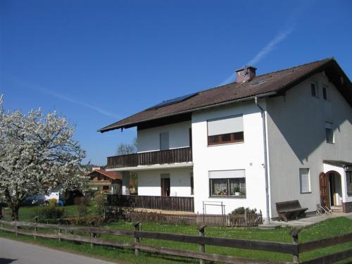 Ferienwohnung-Enzinger - Apartment - Teisendorf