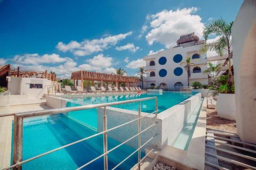 . Loa Hotel