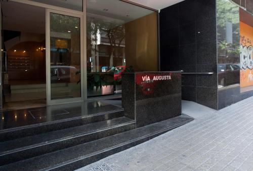 LetsGo Diagonal Avenue Apartment photo 2