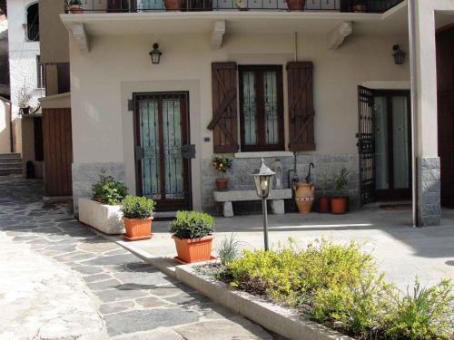 . Apartment Madonna Del Sasso/Piemont 22867