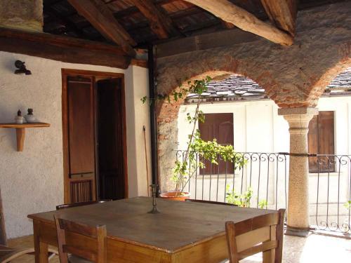 . Apartment Madonna Del Sasso/Piemont 22865