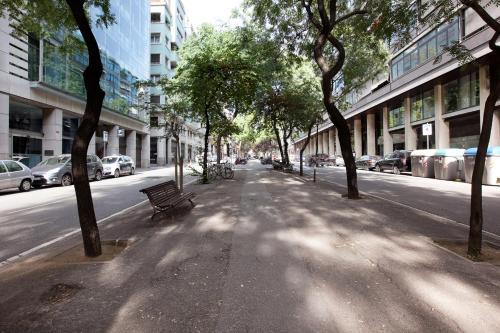 LetsGo Diagonal Avenue Apartment photo 6