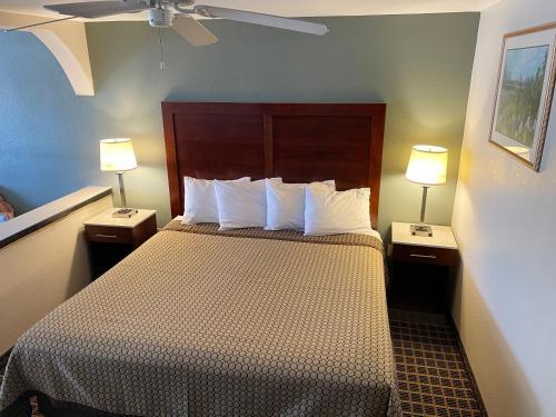 . Great Western Inn & Suites