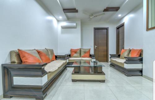 . Ideal 3bhk apartment!