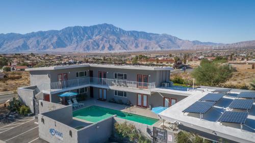 . Desert Hot Springs Inn