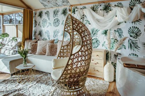 . Herbals&SPA-Tree&beach tents