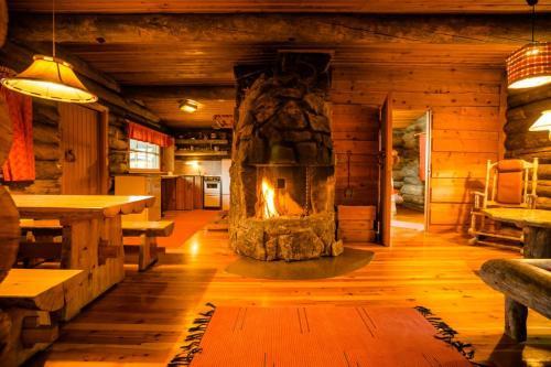 Kakslauttanen Arctic Resort - Igloos and Chalets - Hotel - Saariselkä