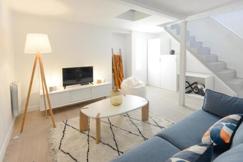 Design and bright flat near République - Location saisonnière - Paris