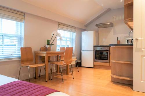 12 London Street Apartments