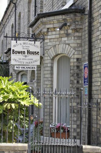 Bowen House (Bed & Breakfast)