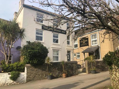 The Top House Inn