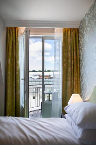 Hotel Bristol - Photo 3 of 47