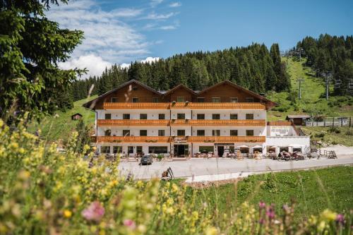 Laguscei Dolomites Mountain Hotel - Arabba