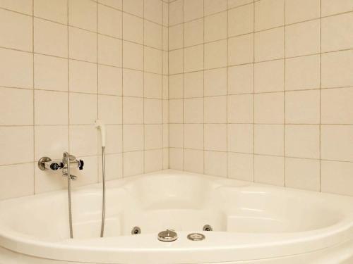 Three-Bedroom Holiday home in Ålbæk 9, Pension in Ålbæk