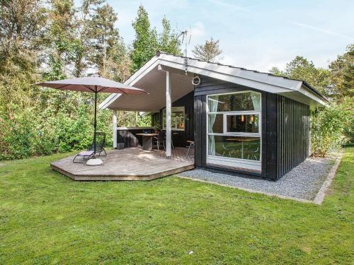 . Five-Bedroom Holiday home in Juelsminde 1
