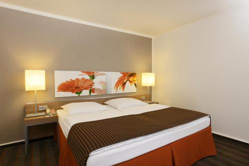 H4 Hotel Frankfurt Messe photo 25