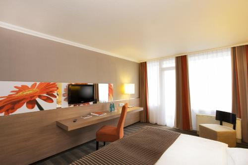 H4 Hotel Frankfurt Messe photo 4