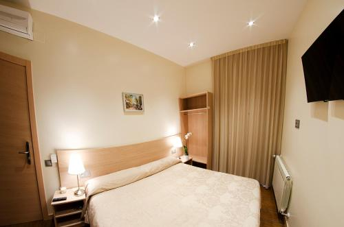 Hostal Excellence photo 45