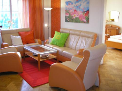 . Apartment Accommodation up to 17