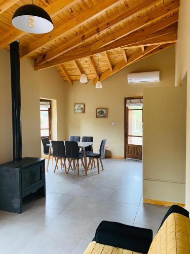 Ayres de Uco Lodge & Wine Lovers - Accommodation - Los Árboles