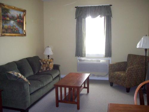 Colonels Suites - Bar Harbor, ME 04662