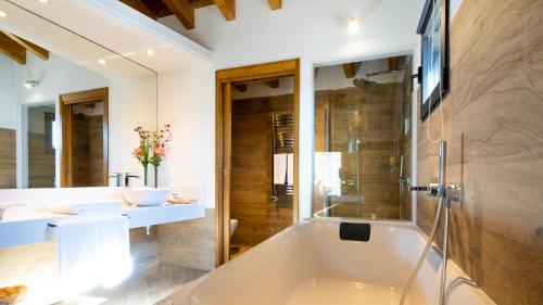 Superior King Suite - single occupancy Hotel Gredos Maria Justina Adults Only 7