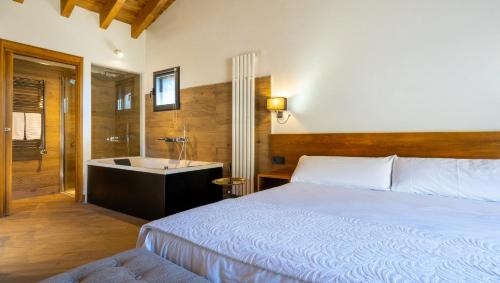 Superior King Suite - single occupancy Hotel Gredos Maria Justina Adults Only 4