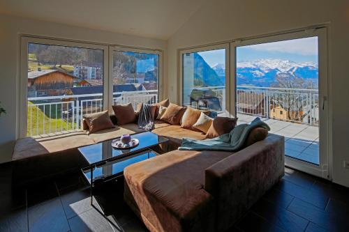 Modern and cosy 5 rooms penthouse with stunning view - Apartment - Triesenberg
