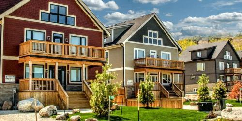 Tyrolean Village Resort - Condos