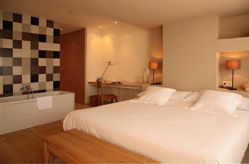 Suite Grand Aldea Roqueta Hotel Rural 6