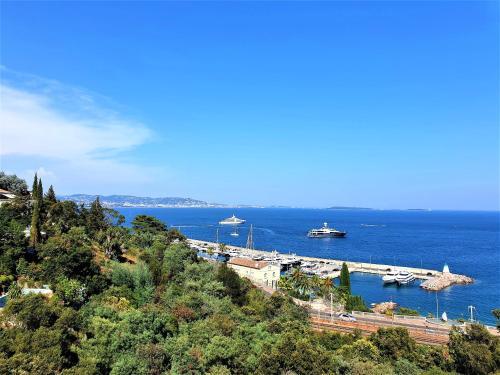 . Magnifique deux pièces vue mer panoramique