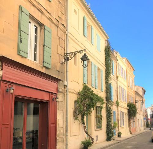 Coquet appartement rénové pour 4 personnes WIFI CLIM TV - Location saisonnière - Arles