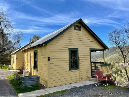 . Priest Station Cafe & Cabins