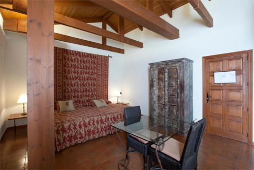 Double or Twin Room Palacio Ayala Berganza 9