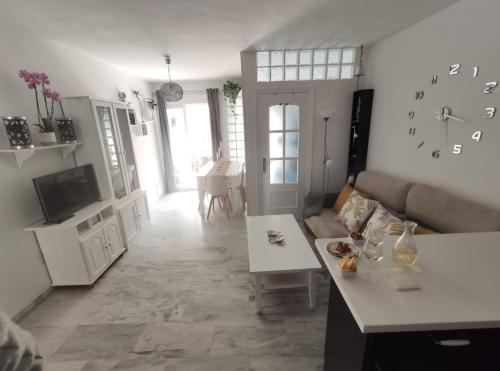 APARTAMENTO NUEVO A 50 M. DE LA PLAYA - Apartment - Morche