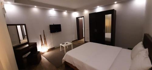 Nakhil Inn Residence - image 9