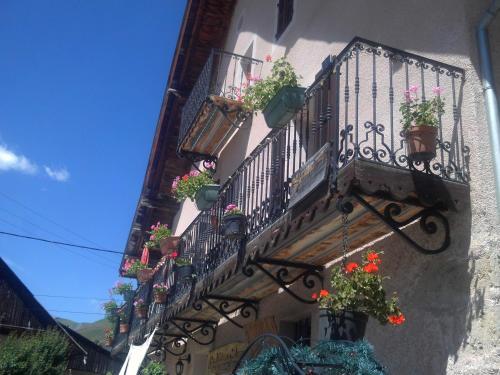appartement gentiane la maison d'augustin 73530 st jean d'arves1lit double,2 lits superposés - Apartment - St Jean d'Arves
