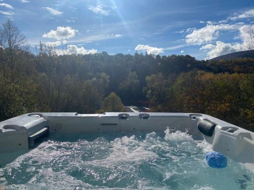 River Villa with amazing view + Jacuzzi, Garden, Forest access - Accommodation - Vétraz-Monthoux
