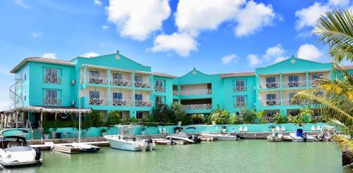 . Ocean Breeze Boutique Hotel & Marina