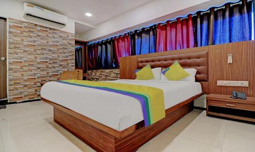 . Treebo Trip Hotel RK Residency