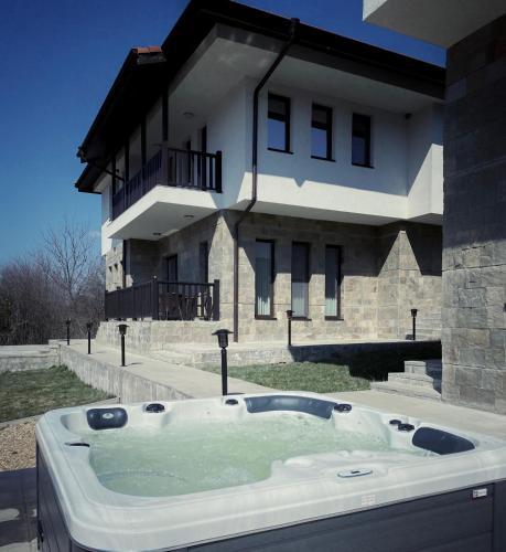 Villa Trade ? - Accommodation - Apriltsi