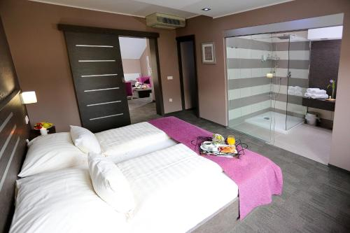 . Gostilna in motel Pri Lešniku