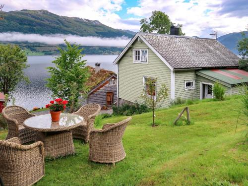. Holiday Home Jølstrablikk - FJS096