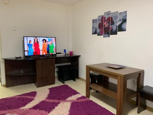 . ELI Apartment