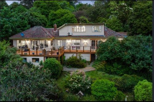 Mountain Villa in Dandenong Ranges - Accommodation - Mount Dandenong