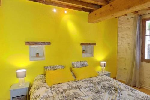 Maison de charme dans le centre historique , WIFI CLIM 6 pers calme et confort - Location saisonnière - Arles