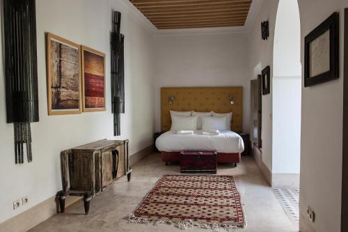 12 Derb Sraghna, Dar El Bacha, 40030, Marrakech, Morocco.
