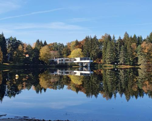 Eden Lake - Hôtel - Égletons